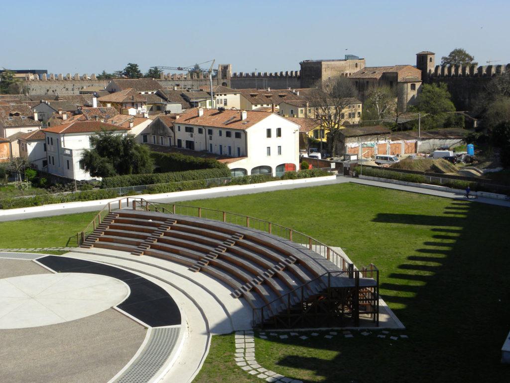 Cittadella, Palazzo Mantegna, campo della Marta e anfiteatro