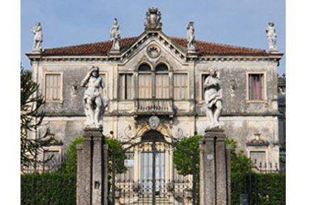 卡那威别墅和耶稣礼拜堂