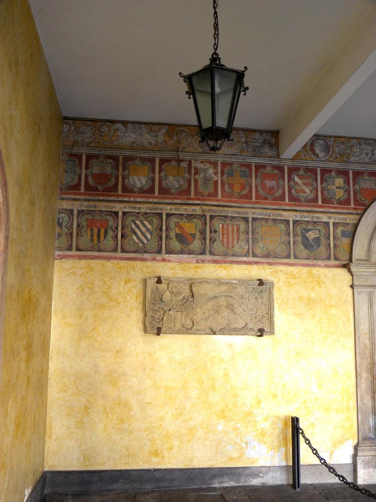 Palazzo della loggia, Cittadella, stemmi