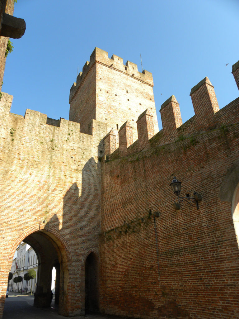 Porta Vicenza torrione riporta Vicenza